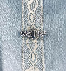 Beauty Pin-Mini Silver Oval